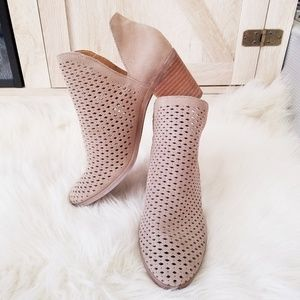 NWT Lucky Brand Tan Ankle Booties